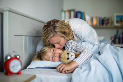 Probleme me orarin e gjumit: Këshilla për prindërit