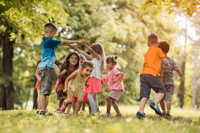Si ndihmon loja në zhvillimin e fëmijëve?